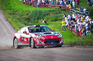 Porsche 911 or Toyota GT86 Rally Car? You Can Drive Both