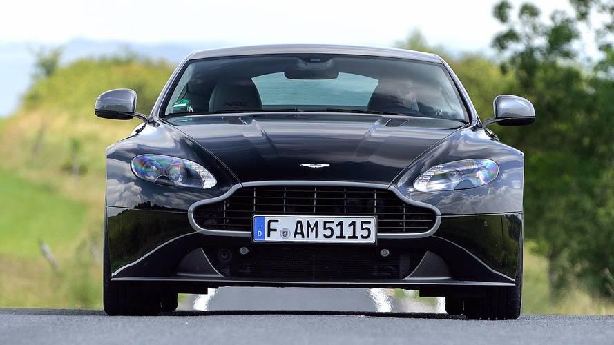 Aston Martin Vantage 2015