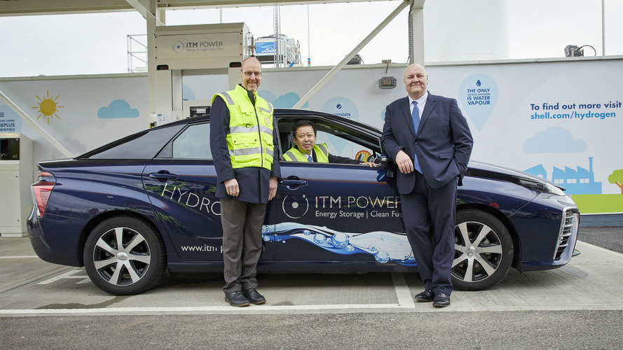 Hydrogen filling station comes to the M25