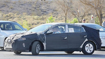 Hyundai hybrid spy photo