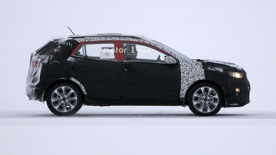 2018 Kia Stonic crossover spied