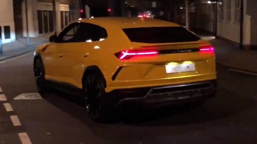 Lamborghini Urus İngiltere sokaklarında