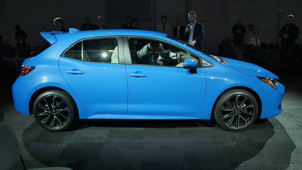 Toyota Hints At Sporty Corolla Hatchback Auris Gr