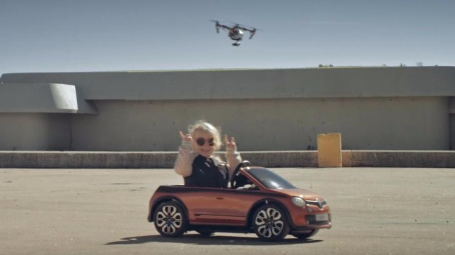 Renault Twingo GT - Les secrets de sa publicité décalée