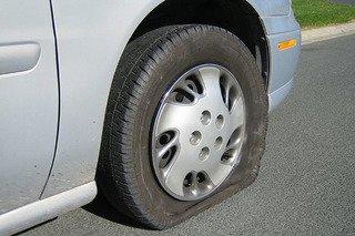 Ever Wondered How to Change a Flat Tire? Here Are the Steps
