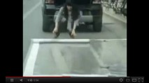 VÍDEO: Como não pagar multa de estacionamento de maneira desonesta