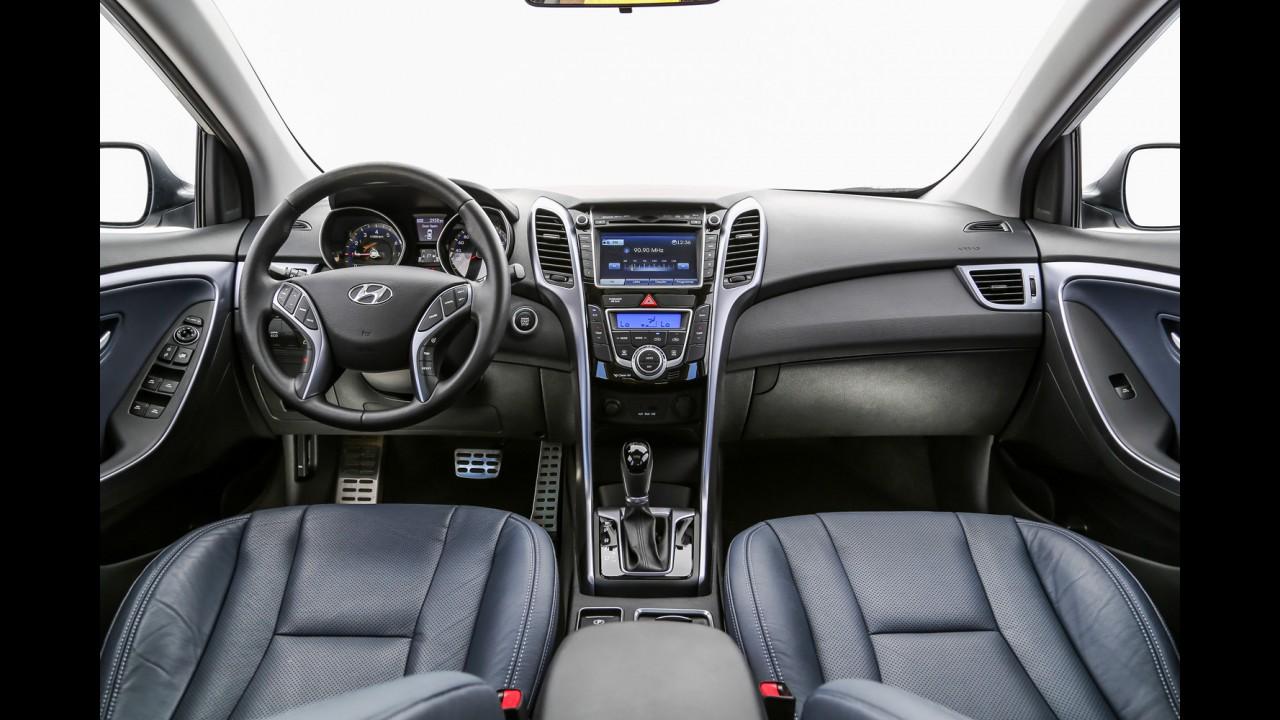 """Teste CARPLACE: Hyundai i30 1.8 tem uma """"rocha"""" chamada Golf pelo caminho"""