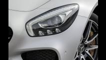 Mercedes apresenta o novo AMG-GT, que chega ao Brasil em 2015